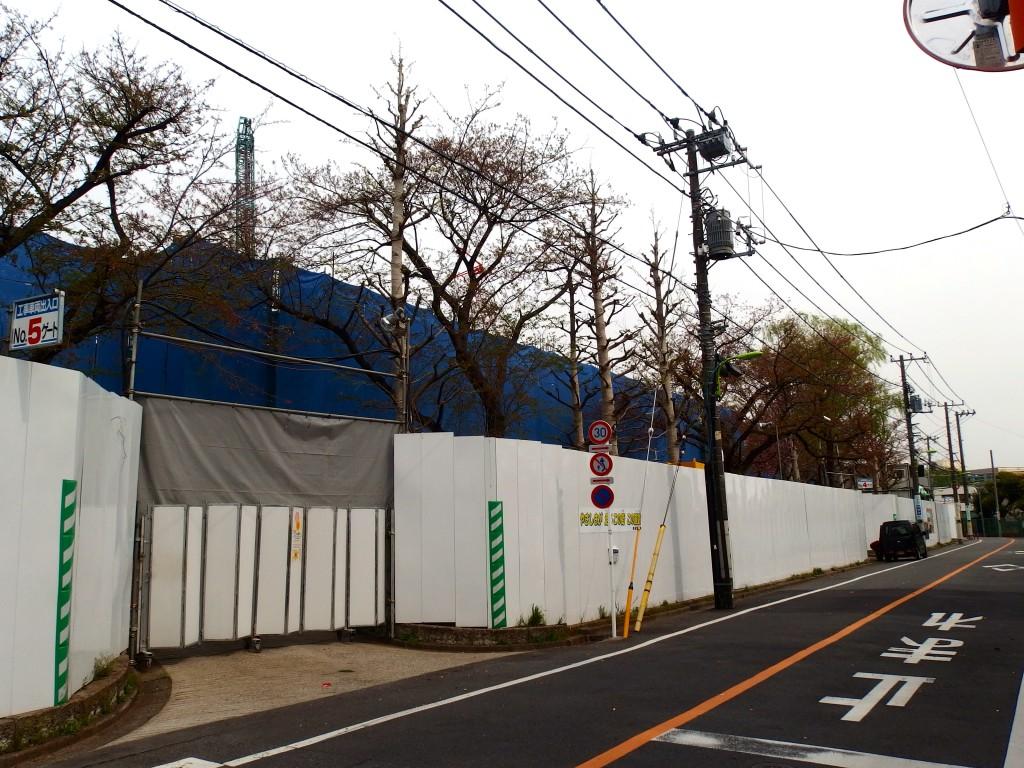 北沢川緑道 桜上水ガーデンズ
