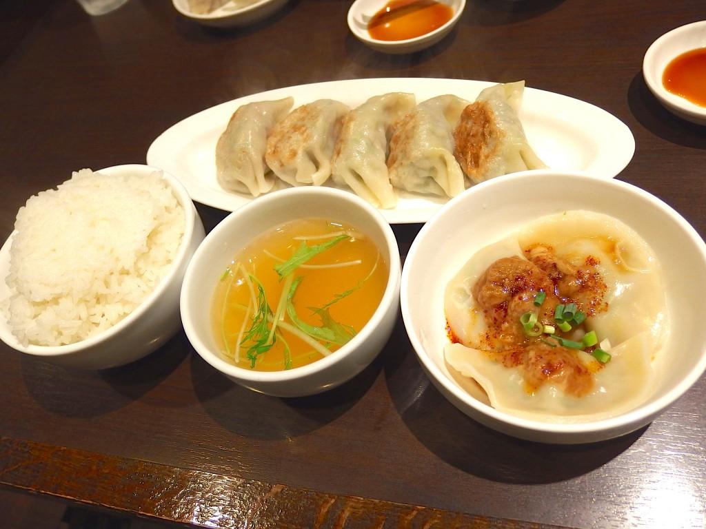 くるみ屋dining(くるみ屋餃子定食)
