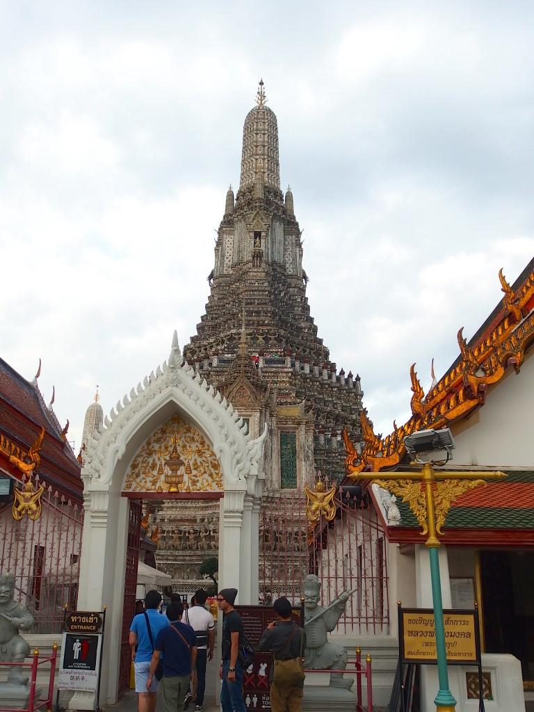 バンコク チャオプラヤ 観光 ワットアルン